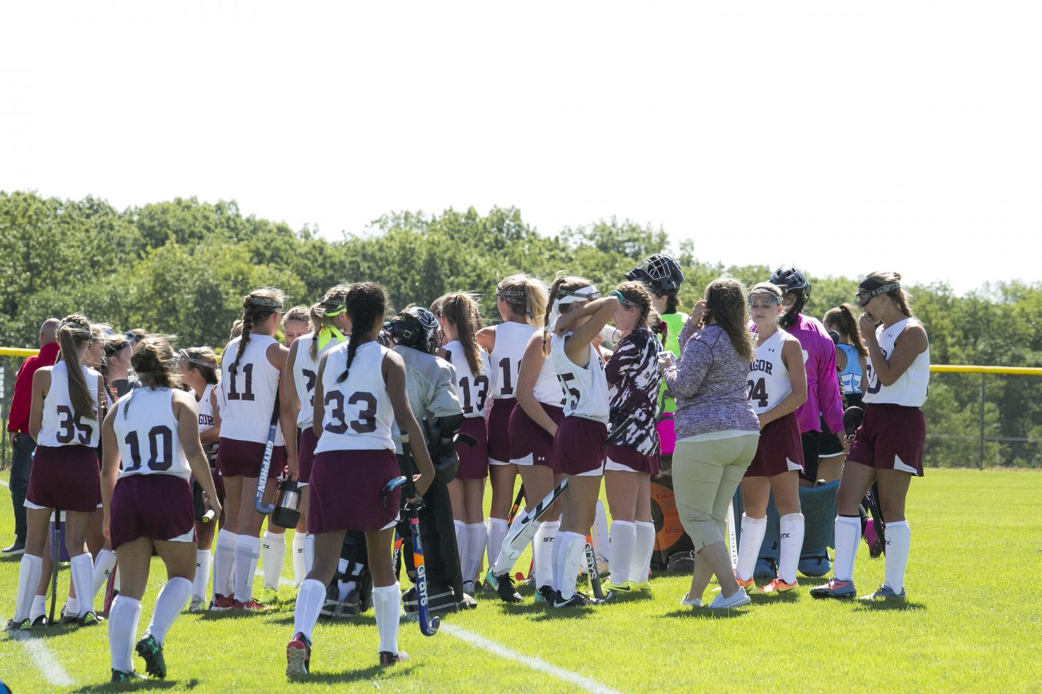 Field hockey defeats long reigning champs