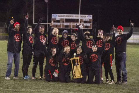 SENIORS TAKE ALL IN POWDERPUFF FACE-OFF