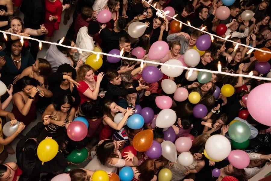 SADIE HAWKINS DANCE STUNS OVER 400 ATTENDEES